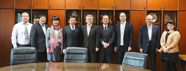 Professor She Li and UESTC faculty members visited Dr. Nakano, the Member of the Board of Directors on 18 November, 2016.